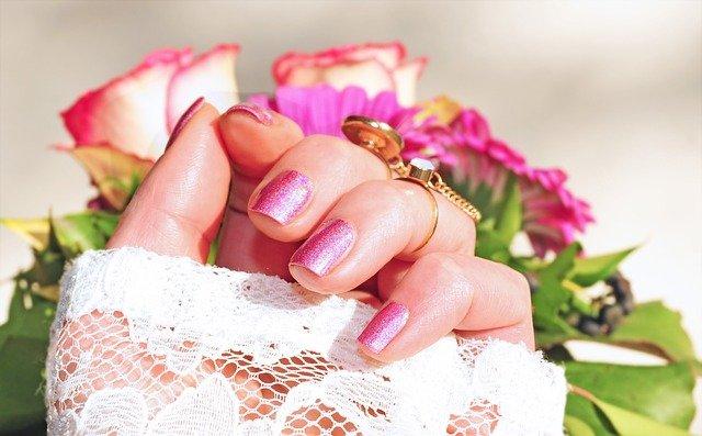 Kit per fare la ricostruzione unghie professionale come si usa